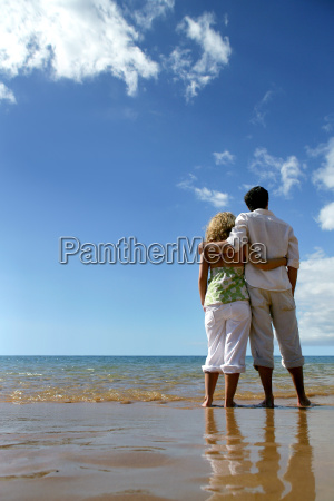 couple, facing, the, sea, at, the - 2899149
