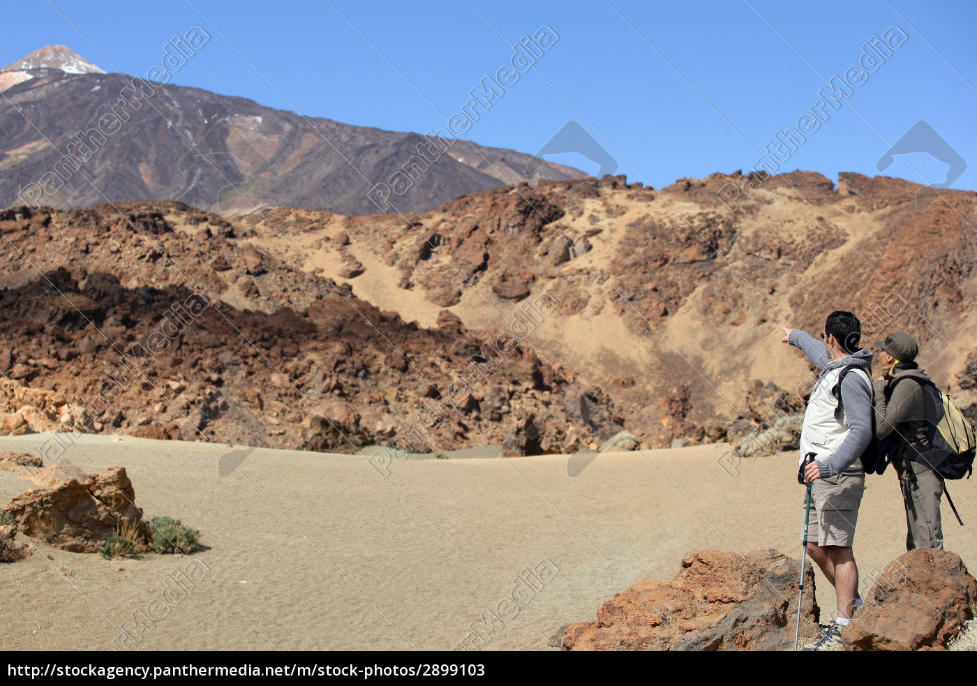 man, and, woman, walking, away, looking - 2899103