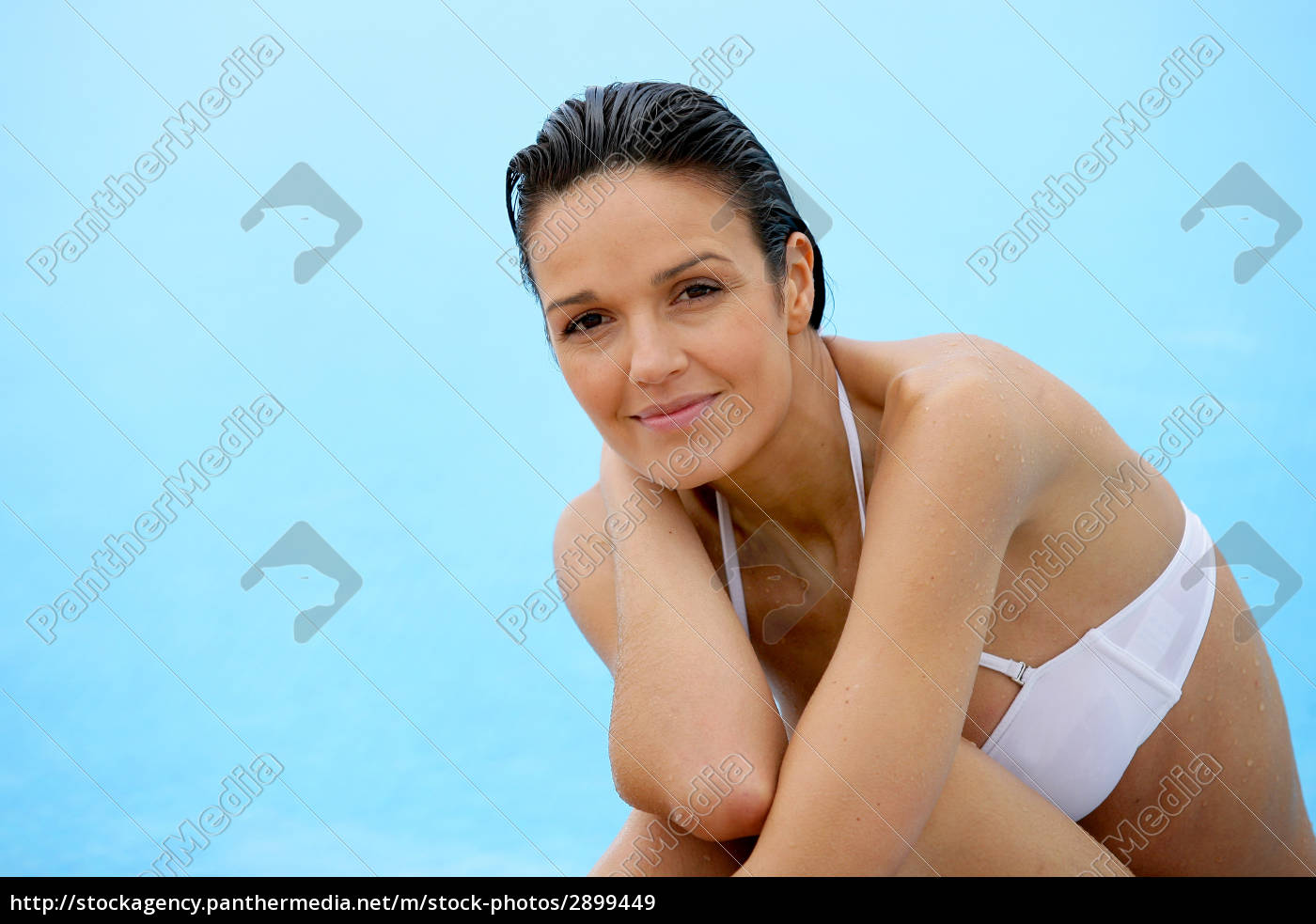 portrait, of, smiling, woman, in, swimsuit - 2899449
