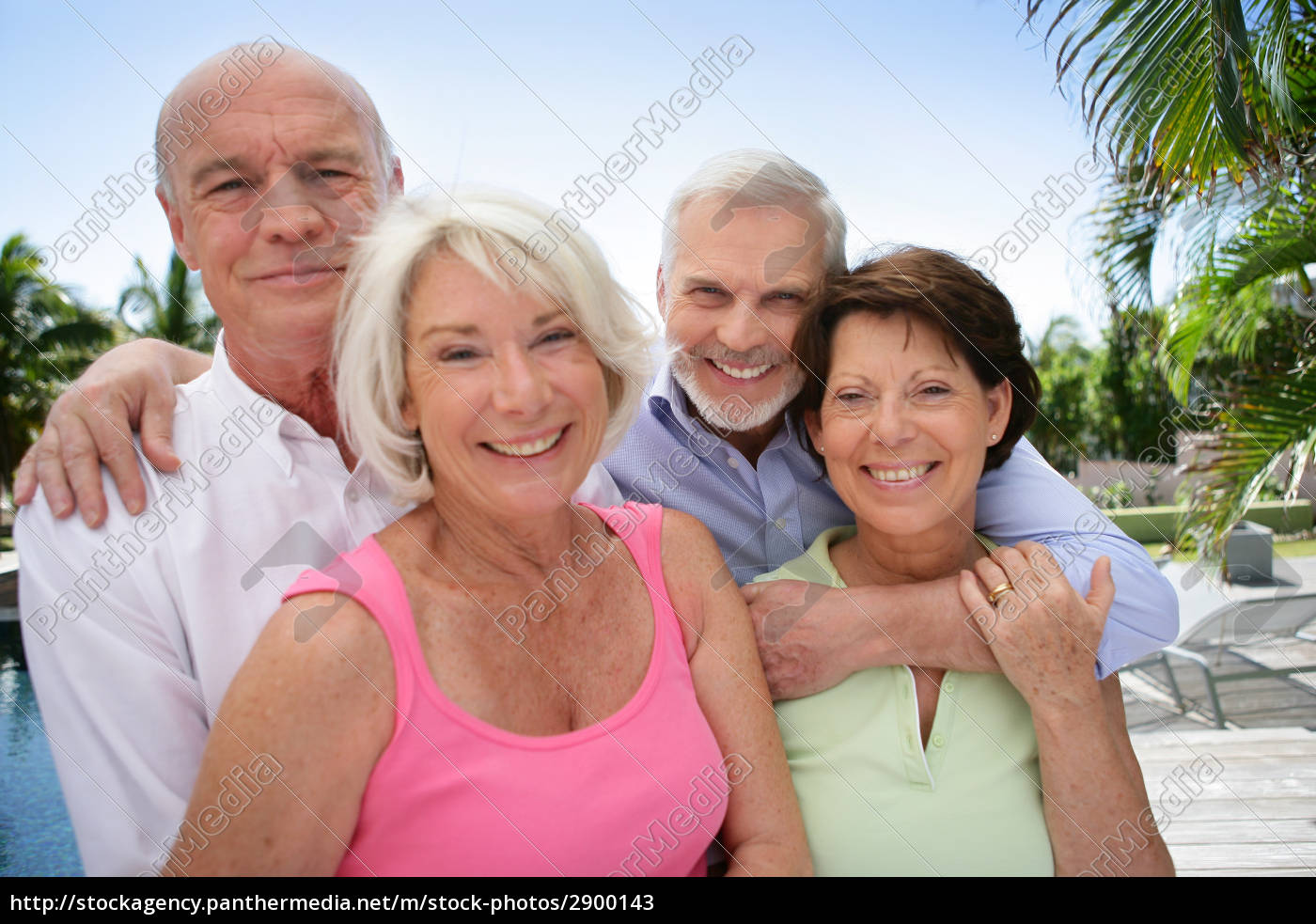group, of, seniors, smiling - 2900143