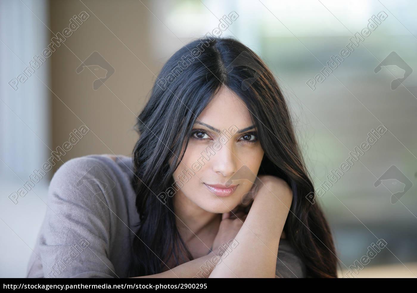 portrait, of, a, beautiful, woman - 2900295