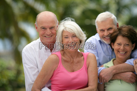 group, of, seniors, smiling - 2910475