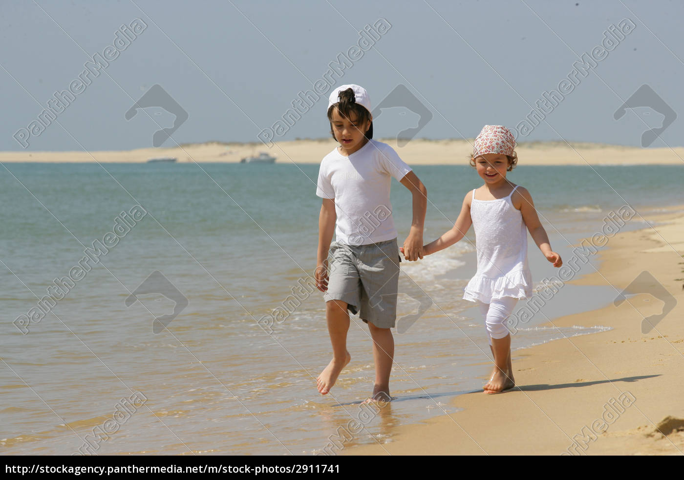 boy, and, girl, walking, along, the - 2911741