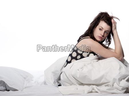 woman, in, bed, awakening - 2917831