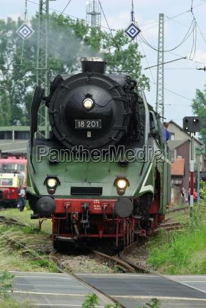 steam locomotive 18201