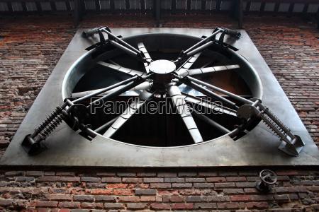big, fan - 2998975