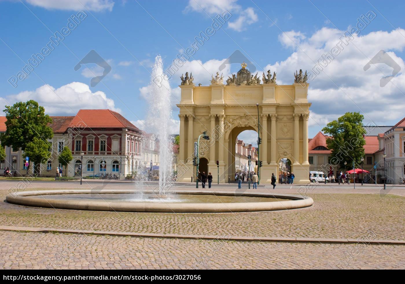 luisenplatz, with, brandenburg, gate, in, potsdam - 3027056