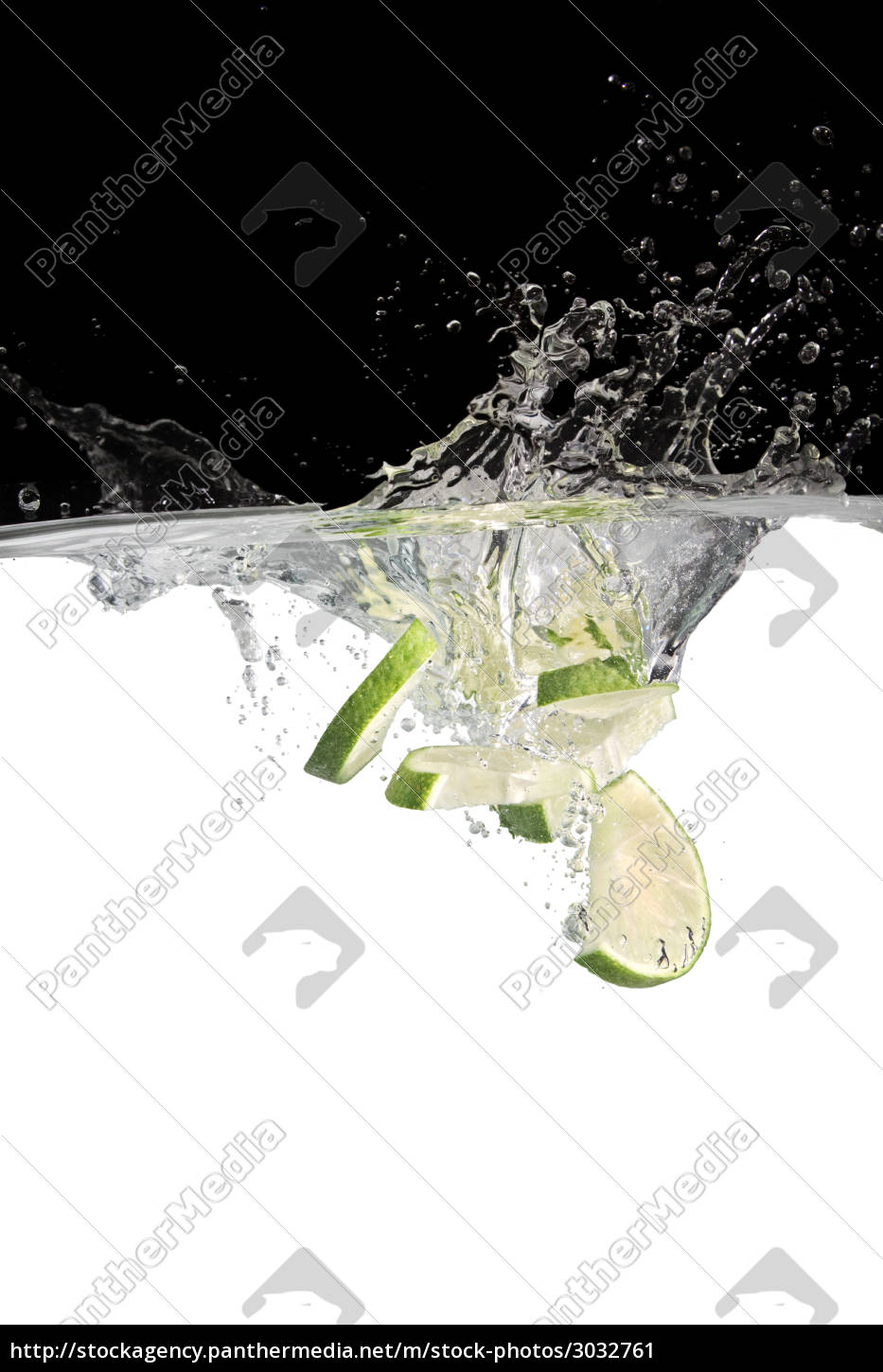 limes, in, water, 2 - 3032761