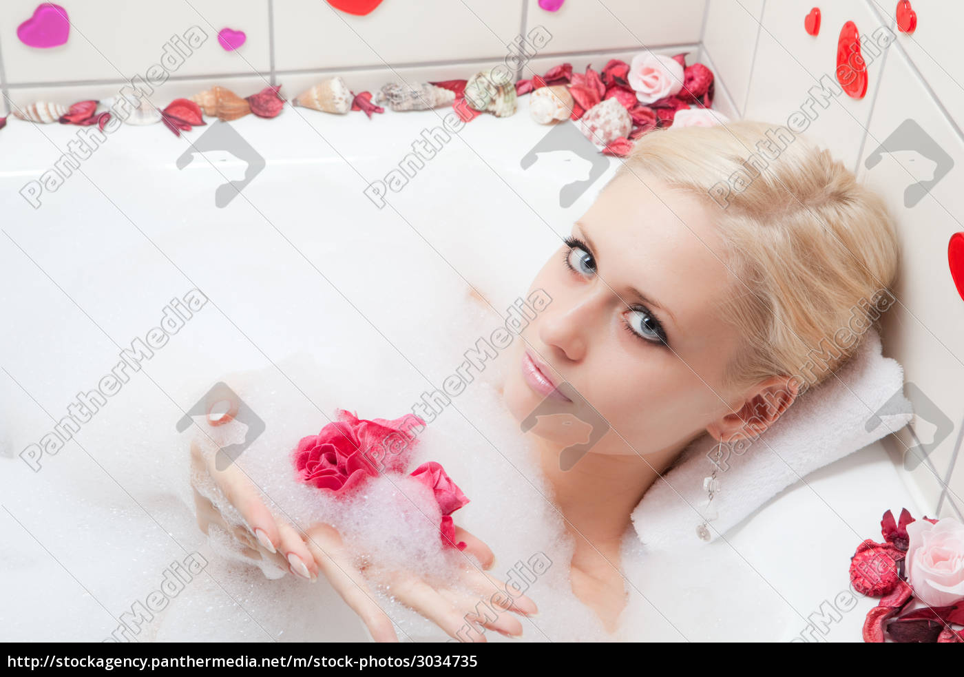 woman, bathing - 3034735