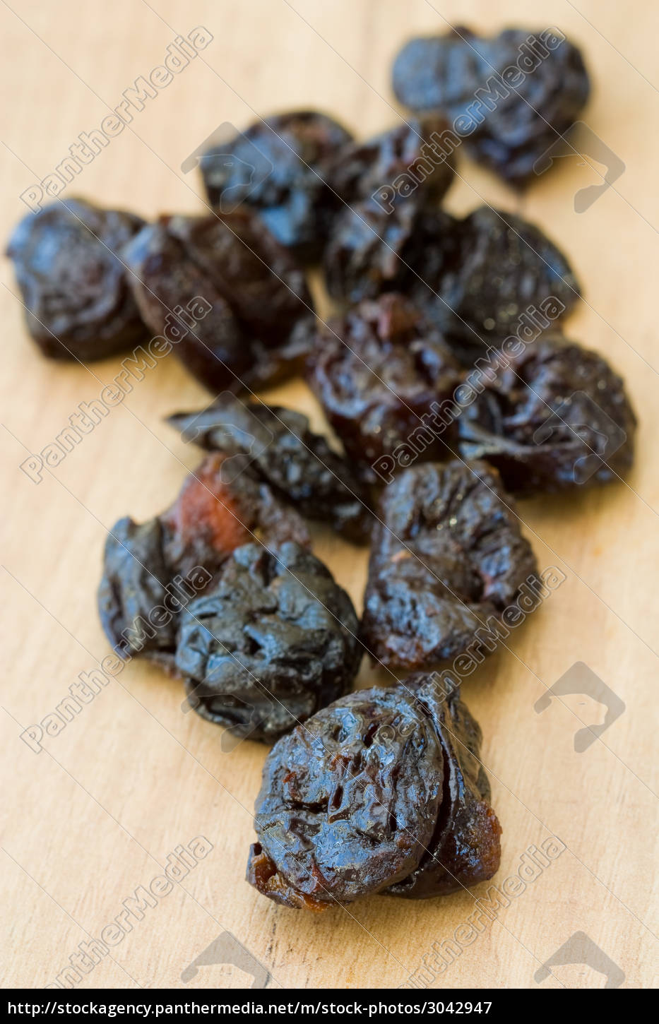 dried, plums - 3042947