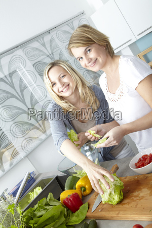 two, women, cooking, in, kitchen - 3070365