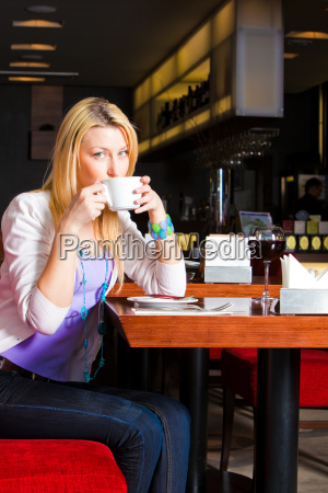 young, woman, eating, dinner - 3072851