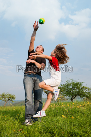 father, and, child, catch, the, ball - 3081923