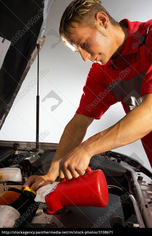 car, mechanic, refill, the, engine, oil - 3108671