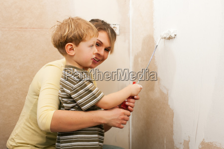 family, sweeps, wall, of, new, home - 3111879