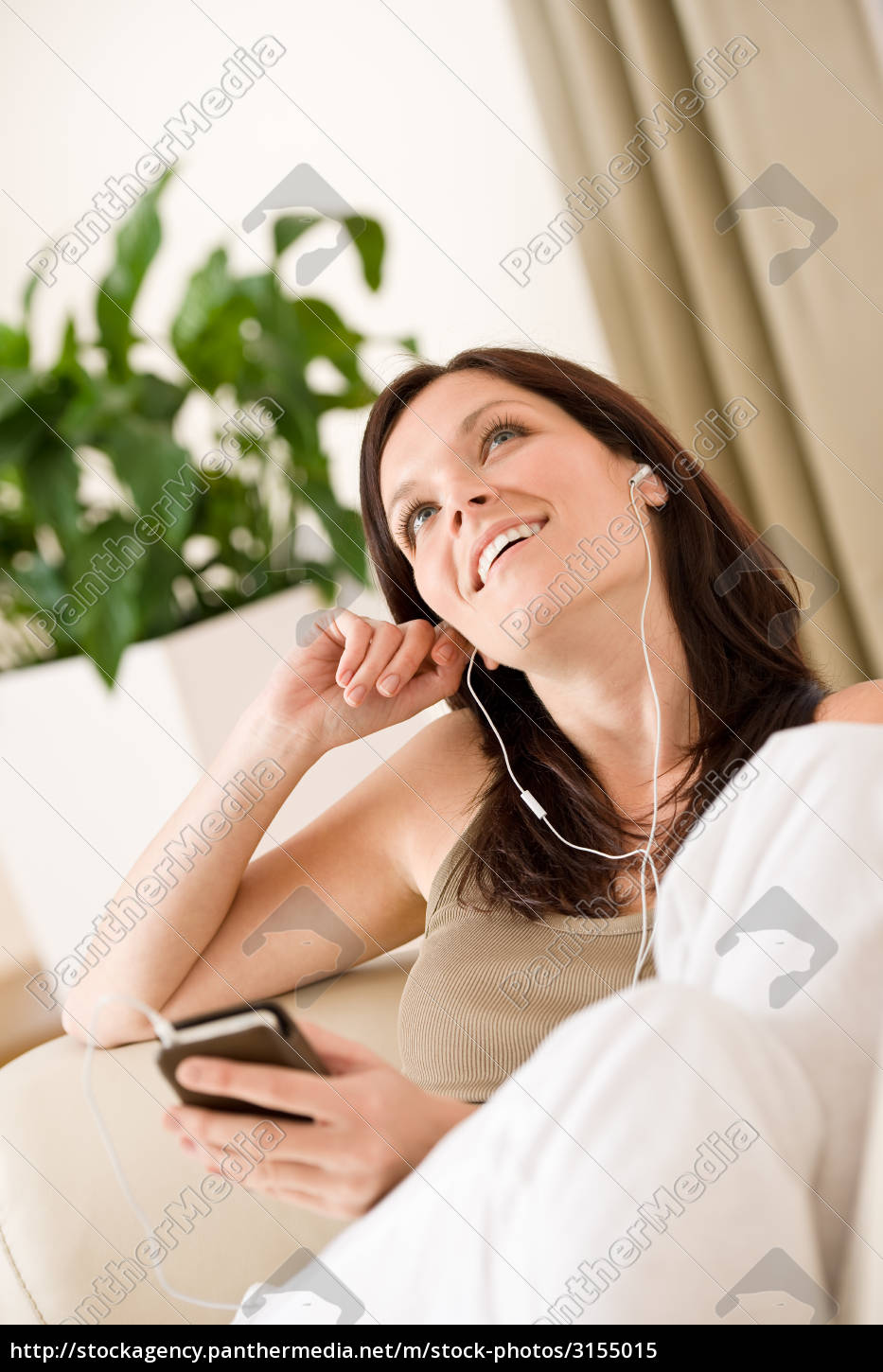 woman, holding, music, player, listening, in - 3155015