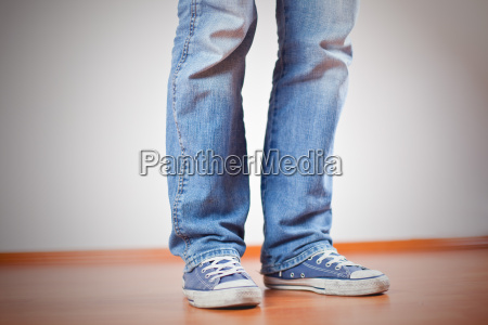 male, masculine, shoes, jeans, trousers, jean trousers - 3156465