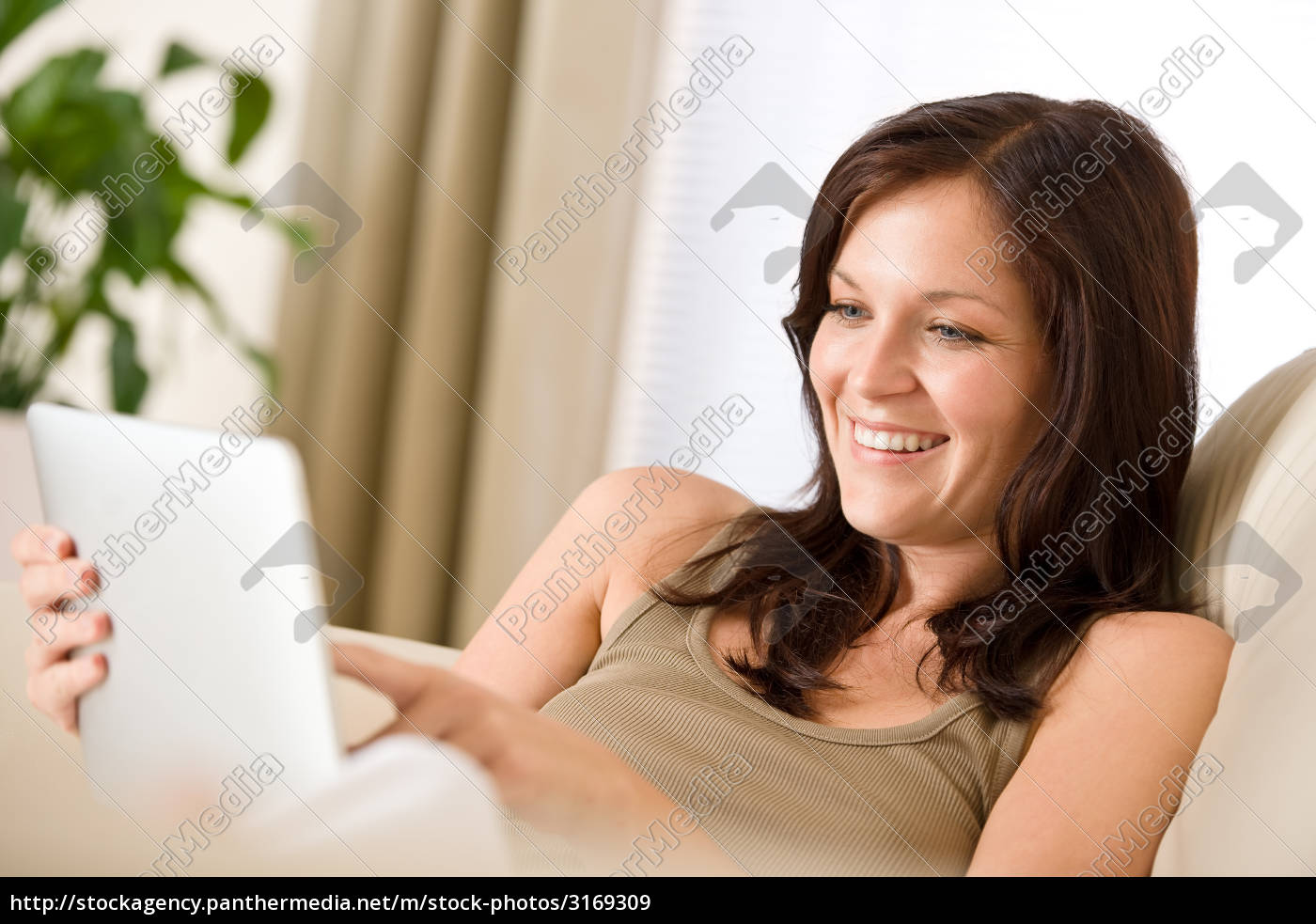 woman, with, touch, screen, tablet, computer - 3169309