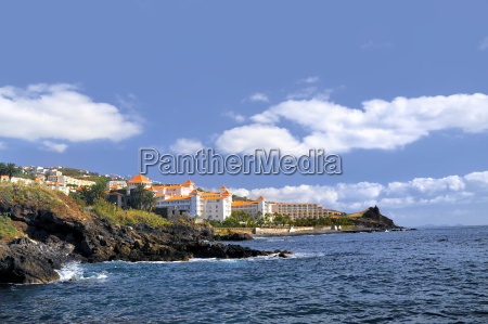 resort, by, a, rocky, beach, in - 3181879