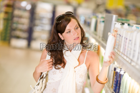 shopping, cosmetics, -woman, choose, shampoo - 3205849