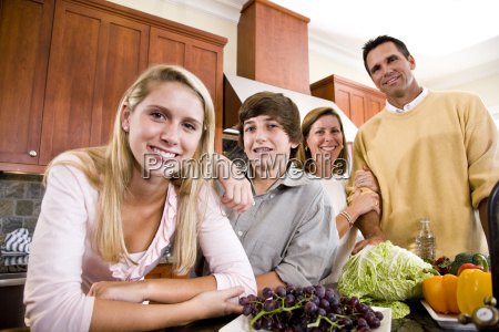family, with, teenager, kids, in, kitchen - 3207907