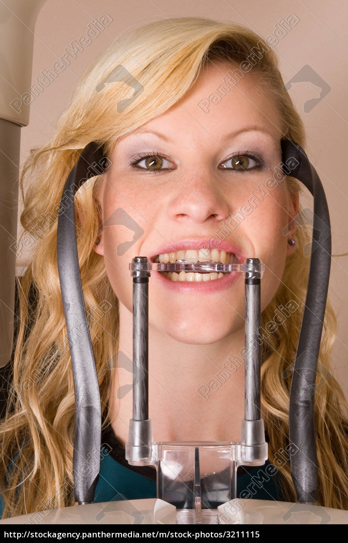 dentist - 3211115