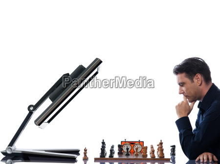 man, playing, chess, with, computer - 3211587