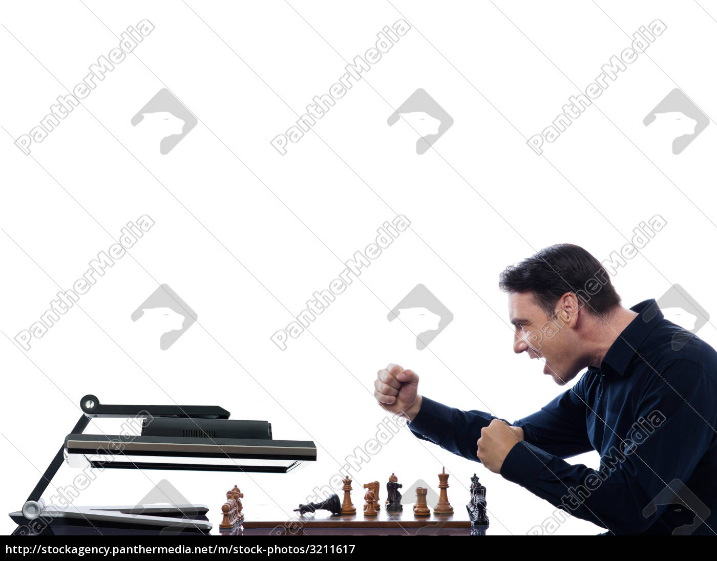 man, playing, chess, with, computer - 3211617