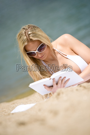 blond, woman, relax, on, beach - 3219977