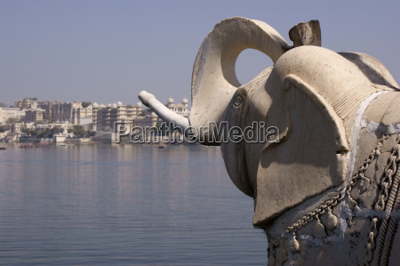 elephant sculpture on palace island