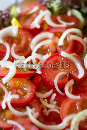 onions on tomatoes