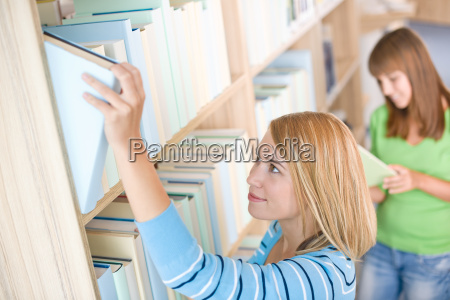 student, in, library, -, two, woman - 3273759