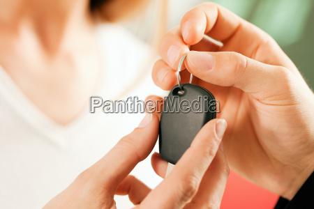 woman, buying, car, -, key, handover - 3277955