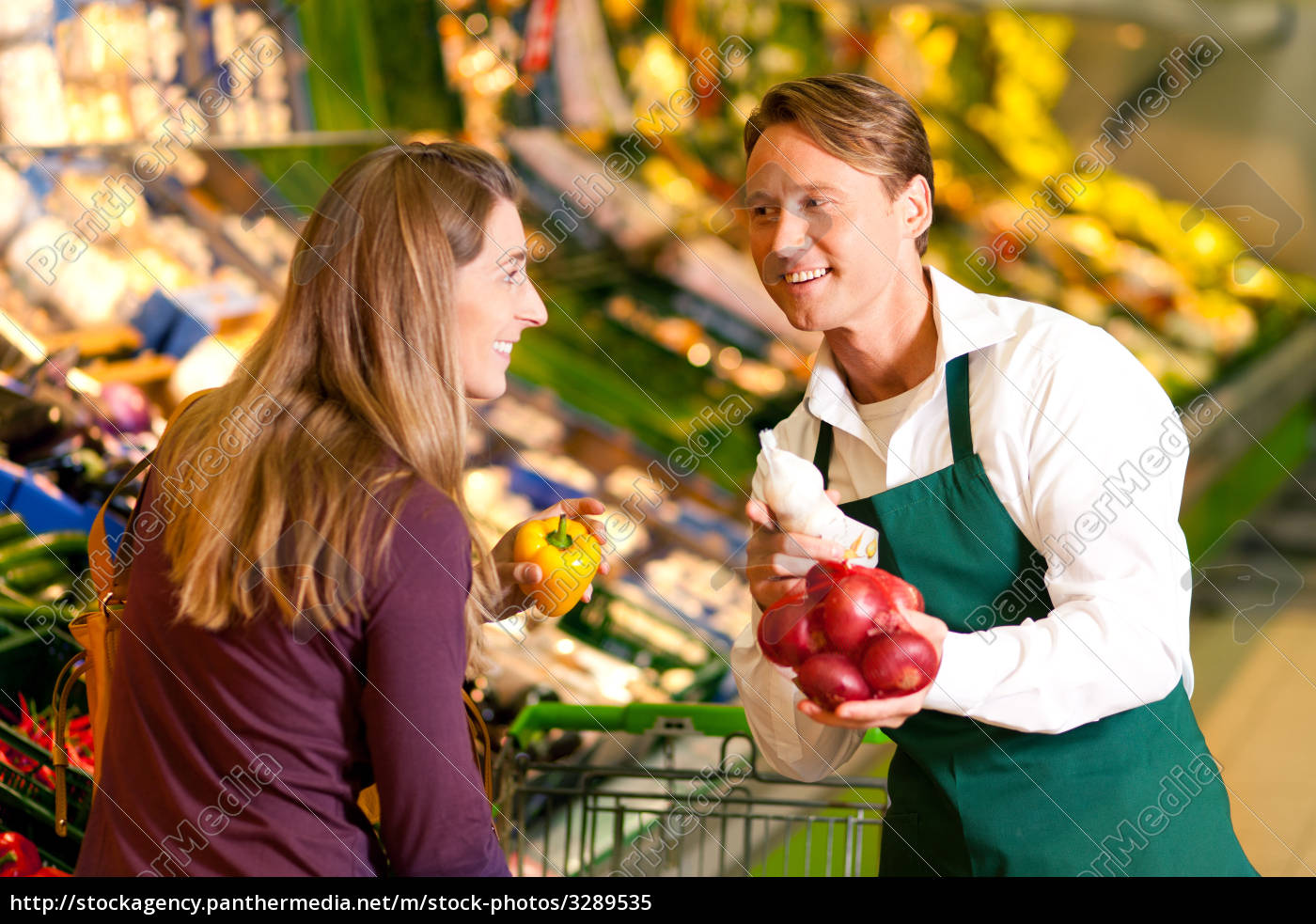 woman, in, supermarket, and, retailers - 3289535