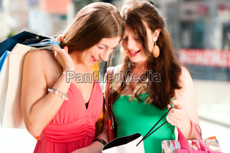 women, shopping, with, bags - 3289413