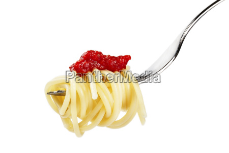 spaghetti on fork with red sauce