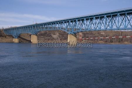 bridge over fraser river taylor british