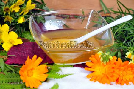 honey body sugaring spoon