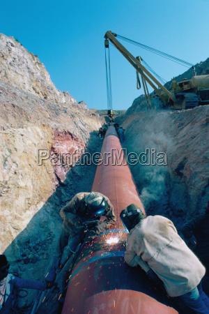 laying large pipes in jordan