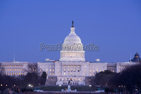 facade of a government building capitol