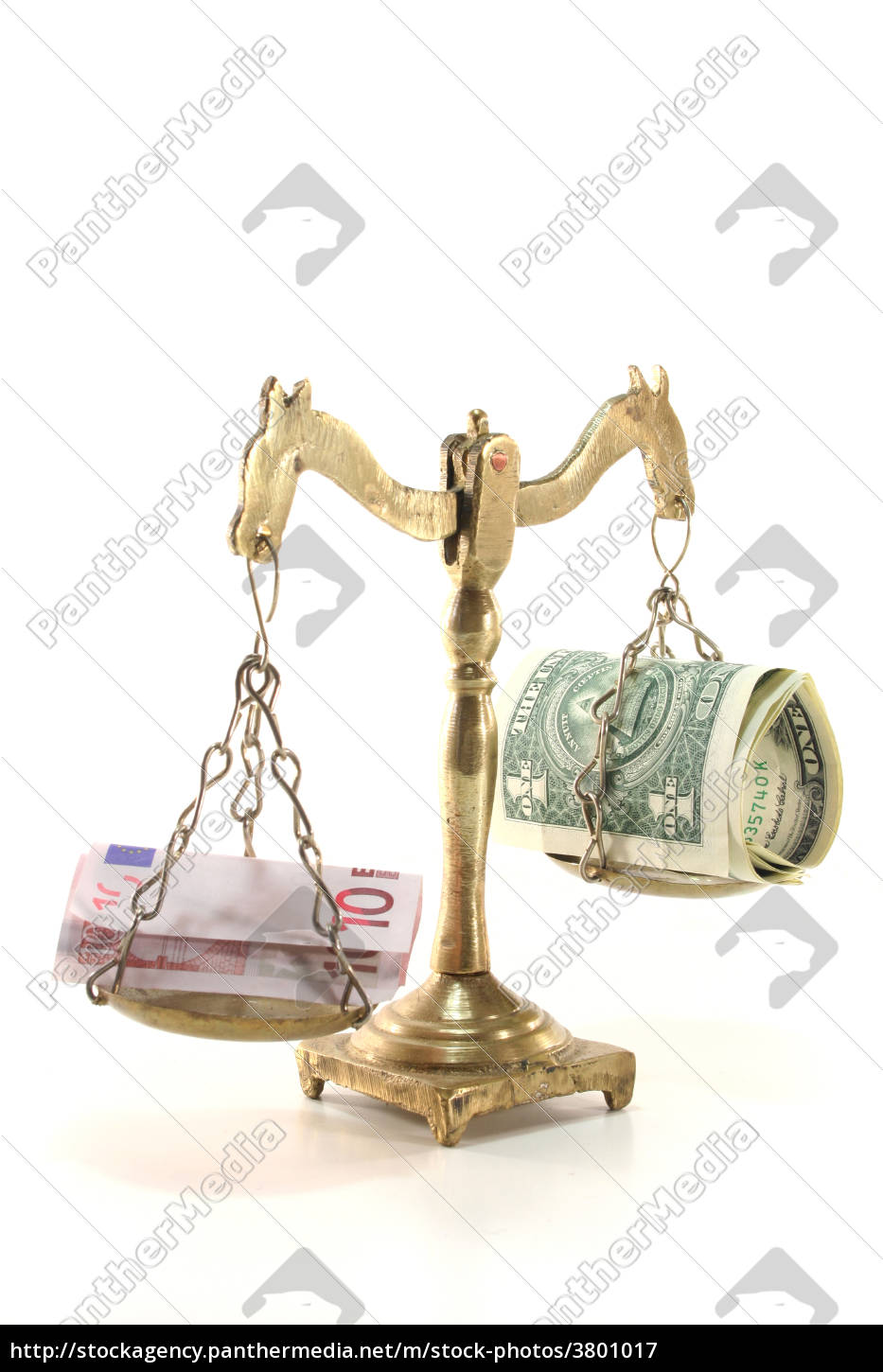 scale, with, money - 3801017