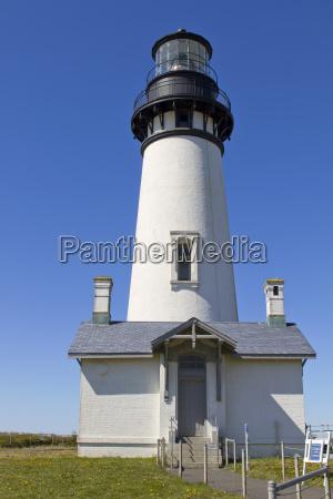 yaquina head lighthouse 2