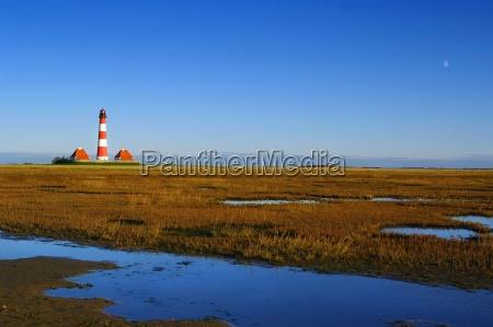 westerhever lighthouse with prielwasser