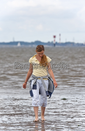 girl, in, the, wadden, sea - 3919961