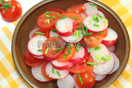 radish and tomato salad