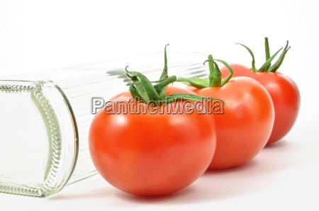 fresh tomatoes with bottle pattern