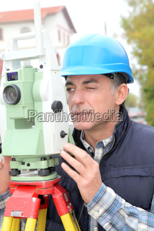geometer with measure instrument