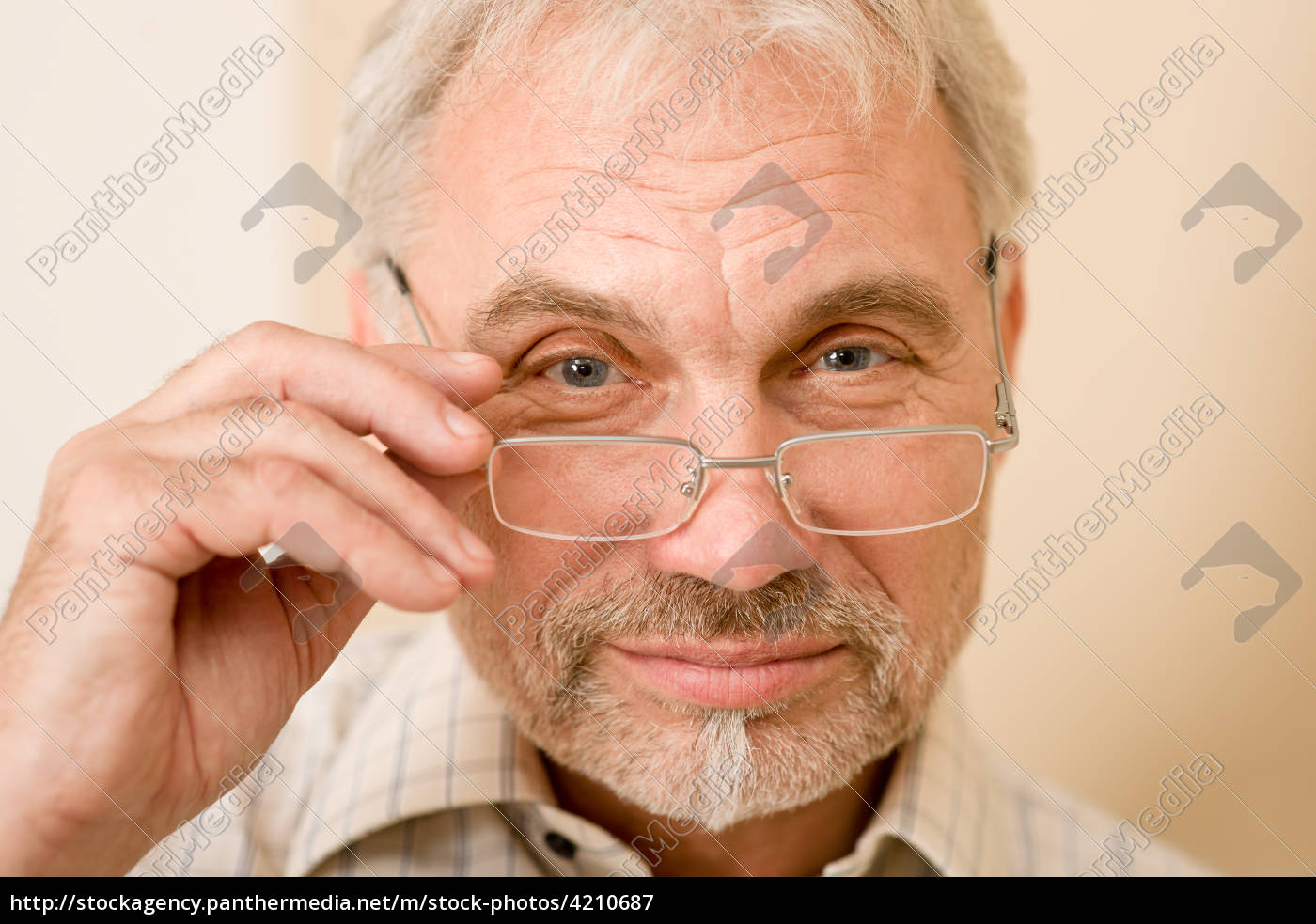 senior, mature, man, thoughtful, with, glasses - 4210687