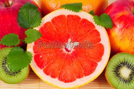 grapefruit fruit vitamins citrus