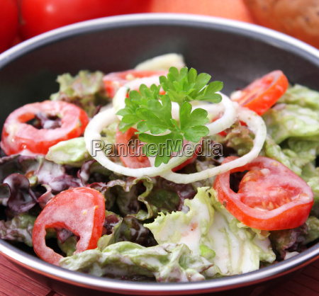 lettuce with tomato